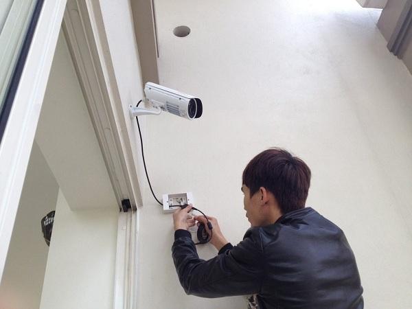 Tự lắp đặt camera giám sát gia đình có những ưu nhược điểm nhất định